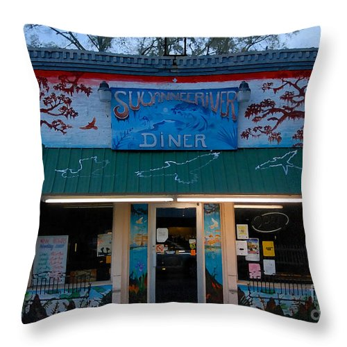 Suwanee River Throw Pillow featuring the photograph Suwannee River Diner by David Lee Thompson