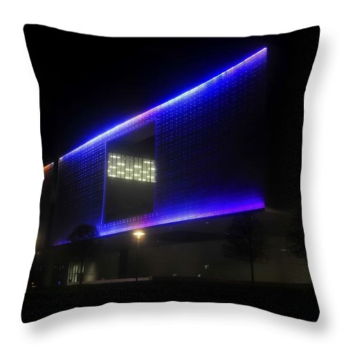 Tampa Museum Of Art Throw Pillow featuring the photograph Tampa Architecture by David Lee Thompson