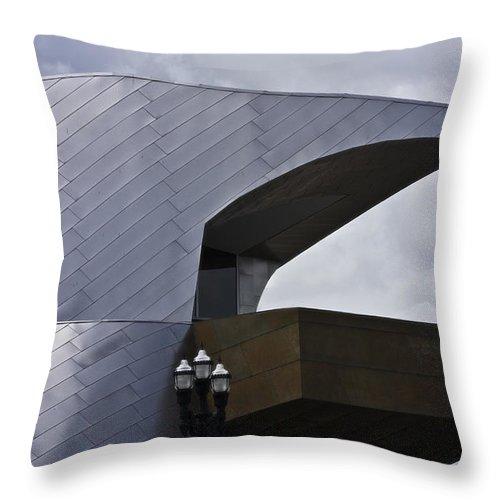 Roanoke Throw Pillow featuring the photograph Taubman Ledge Sculpture Roanoke Virginia by Teresa Mucha