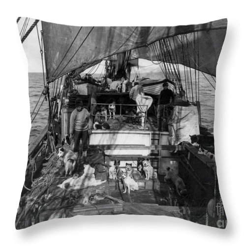 1910 Throw Pillow featuring the painting Terra Nova Expedition by Granger