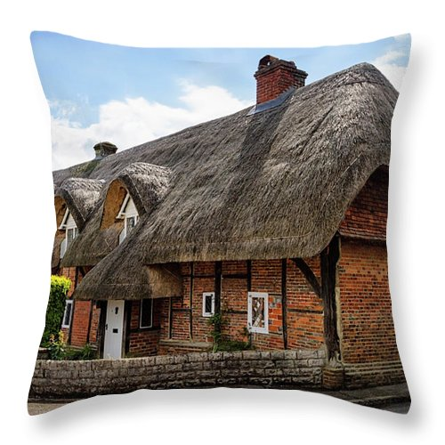 Cottage Throw Pillow featuring the photograph Thatched Cottages In Chawton by Shirley Mitchell