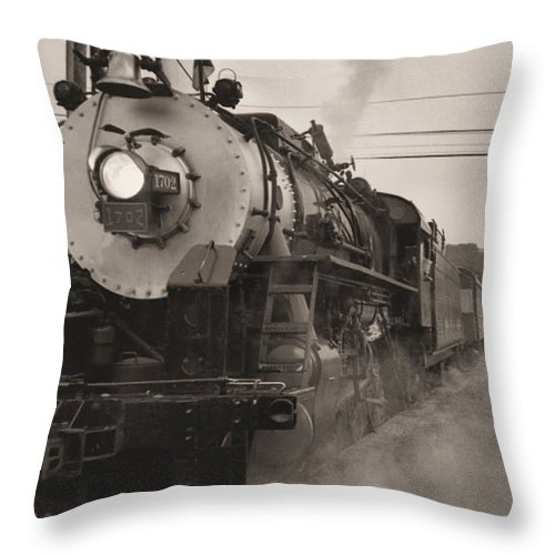 Trains Throw Pillow featuring the photograph The 1702 At Dillsboro by Richard Rizzo
