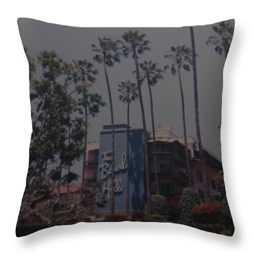 Beverly Hills Throw Pillow featuring the photograph The Beverly Hills Hotel by Rob Hans