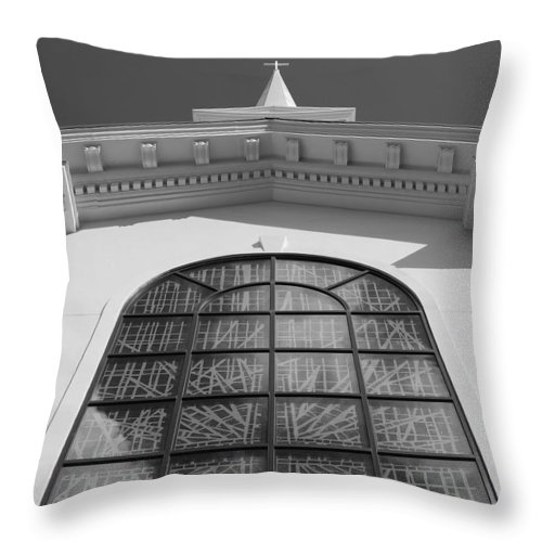 Church Throw Pillow featuring the photograph The Black And White Church by Rob Hans