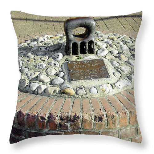 Isle Of Wight Throw Pillow featuring the photograph The Brading Bull Ring by Rod Johnson