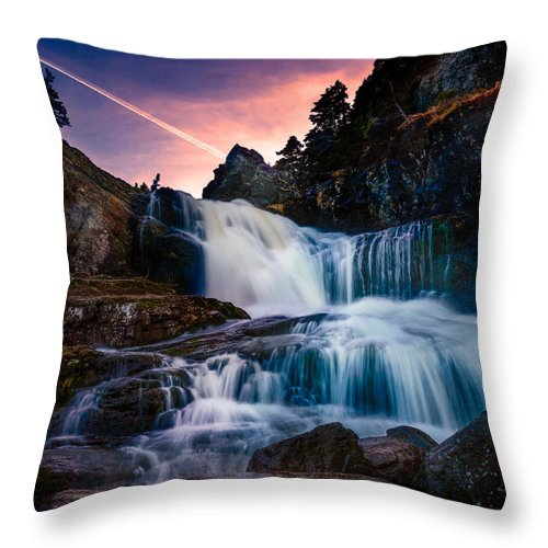 Newfoundland Throw Pillow featuring the photograph The Falls At Flatrock by Shawn Hudson