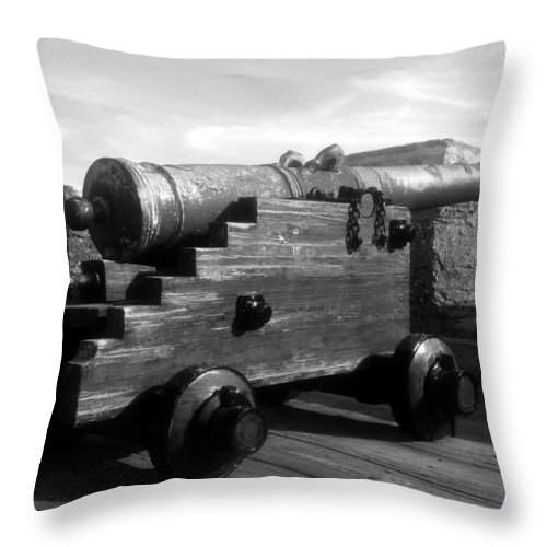 Castillo De San Marcos National Monument Throw Pillow featuring the photograph The Old Castillo by David Lee Thompson