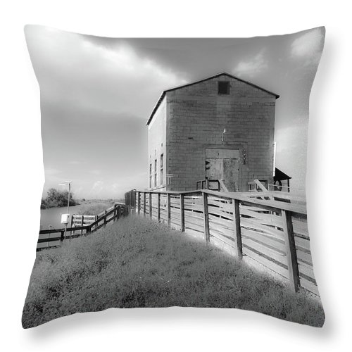 Pump House Throw Pillow featuring the photograph The Old Pump House by Elie Wolf