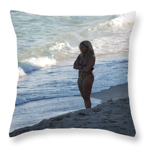 Sea Scape Throw Pillow featuring the photograph The Thinking Women by Rob Hans
