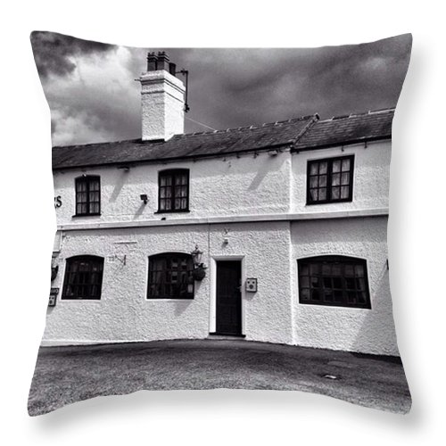 Snapseed Throw Pillow featuring the photograph The Weavers Arms, Fillongley by John Edwards