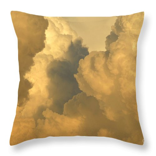 Clouds Throw Pillow featuring the photograph Thunder Heads by David Lee Thompson