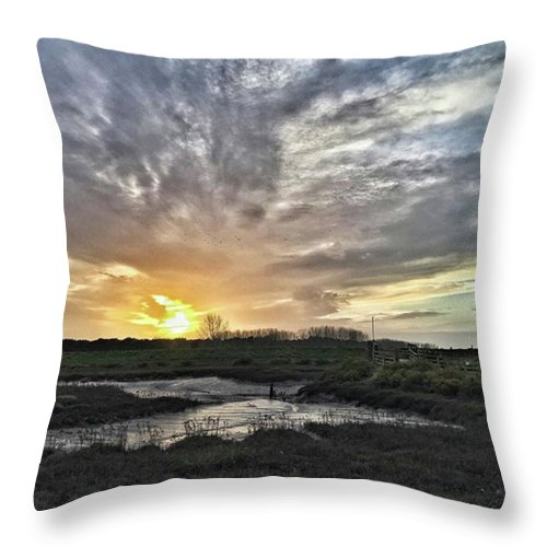 Natureonly Throw Pillow featuring the photograph Tonight's Sunset From Thornham by John Edwards
