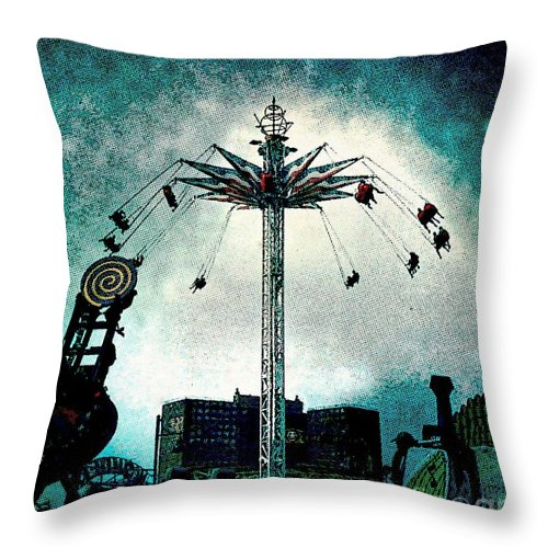Coney Island Throw Pillow featuring the photograph Top Of The World 2 by Onedayoneimage Photography