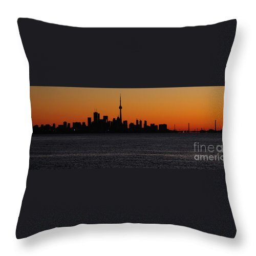 Toronto Throw Pillow featuring the photograph Toronto Skyline by Joe Ng