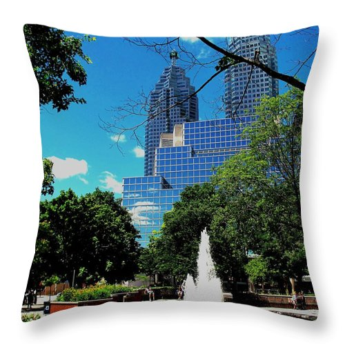 Park Throw Pillow featuring the photograph Toronto Wellington Street Park by Ian MacDonald