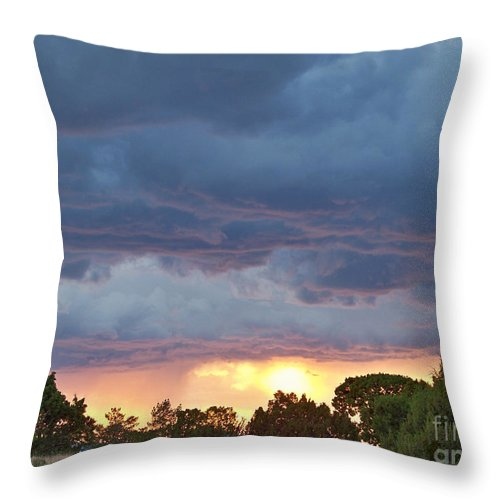 Skyscape Throw Pillow featuring the photograph Touches Of Pink by Brian Commerford
