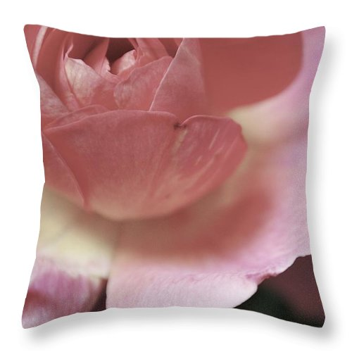 Flowers Throw Pillow featuring the photograph Tranquility by Donna Shahan