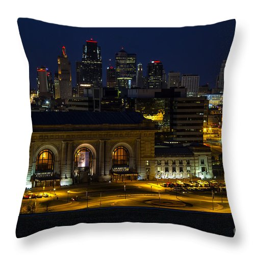 Union Station Throw Pillow featuring the photograph Union Station At Night by Carolyn Fox