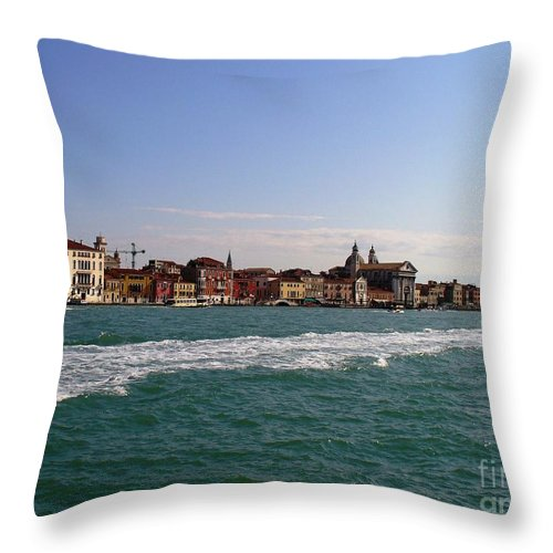 Landscape Throw Pillow featuring the photograph Venezia by Fernanda Cruz