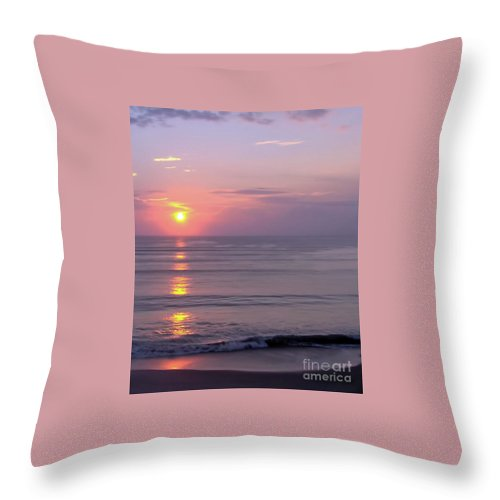 Sunrise Throw Pillow featuring the photograph Vero - Beach - Sunrise by D Hackett
