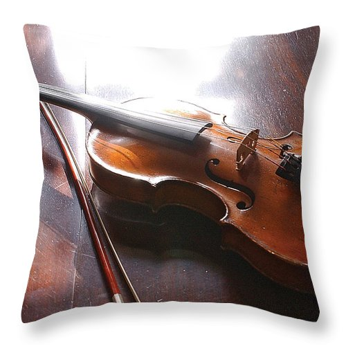 Violin Throw Pillow featuring the photograph Violin On Table by Steve Somerville