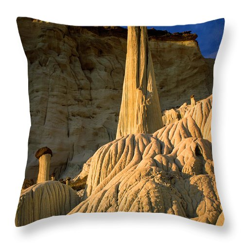 America Throw Pillow featuring the photograph Wahweap Hoodoos At Dawn by Inge Johnsson
