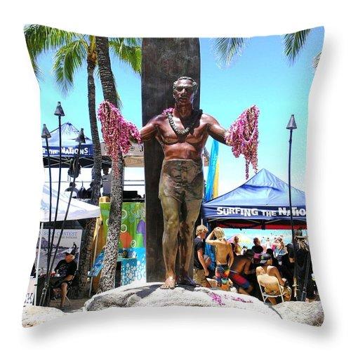 Statues Throw Pillow featuring the photograph Waikiki Statue - Duke Kahanamoku by Mary Deal