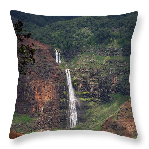 Phil Welsher Throw Pillow featuring the photograph Waimea Canyon Waterfall by Phil Welsher