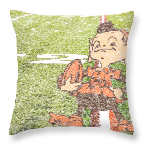 Cleveland Throw Pillow featuring the photograph Waiting For Sunday by Kenneth Krolikowski