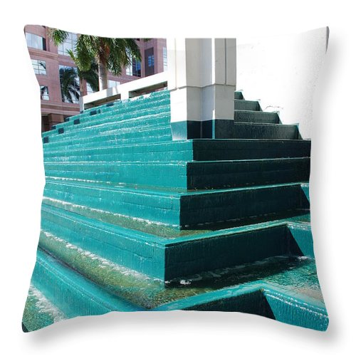Architecture Throw Pillow featuring the photograph Water At The Federl Courthouse by Rob Hans