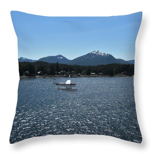 Seaplane Throw Pillow featuring the photograph Water Landing by Lori Tambakis
