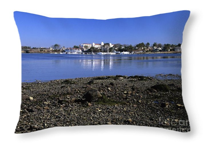 New Castle Throw Pillow featuring the photograph Wentworth By The Sea Hotel - New Castle New Hampshire Usa by Erin Paul Donovan