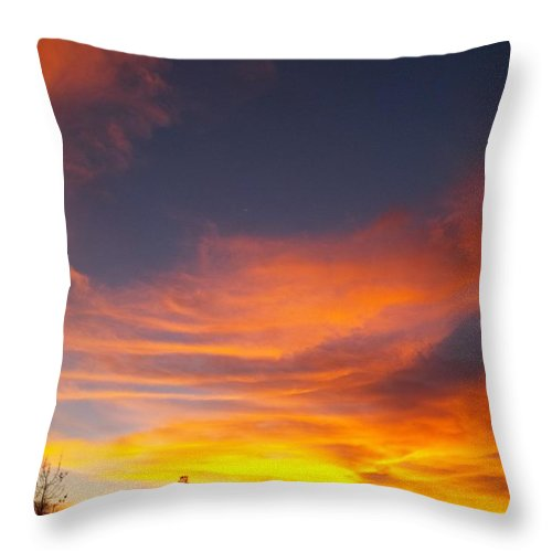 Desert Throw Pillow featuring the photograph What I Saw - California Sunset by Glenn McCarthy Art and Photography
