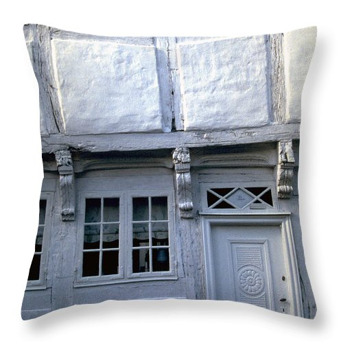 White House Throw Pillow featuring the photograph White House by Flavia Westerwelle