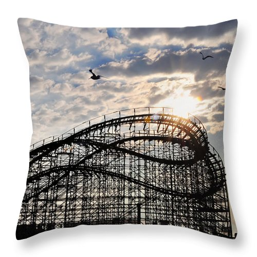 Great White Throw Pillow featuring the photograph Wildwood Roller Coaster by Bill Cannon