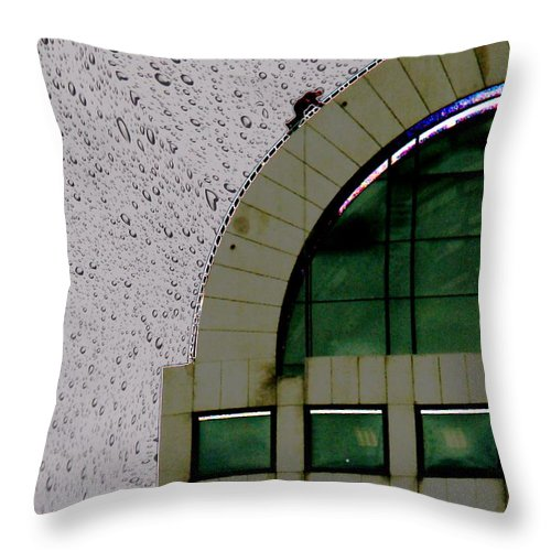 Seattle Throw Pillow featuring the photograph Window Washer by Tim Allen