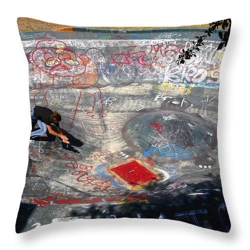 Falling Throw Pillow featuring the photograph Wipe-out by David Lee Thompson