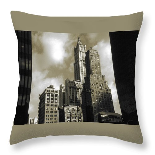 New+york Throw Pillow featuring the photograph Old New York Photo - Historic Woolworth Building by Peter Potter