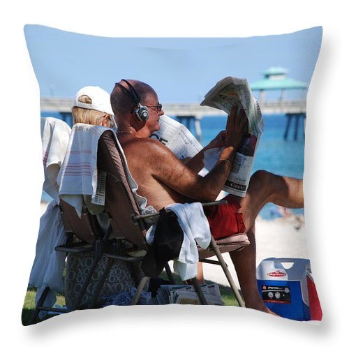 Man Throw Pillow featuring the photograph Working Hard by Rob Hans