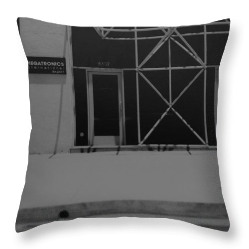Black And White Throw Pillow featuring the photograph X by Rob Hans