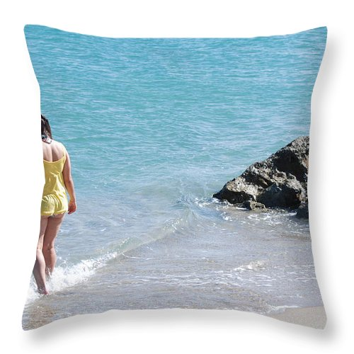 Sea Scape Throw Pillow featuring the photograph Yellow And Blue by Rob Hans