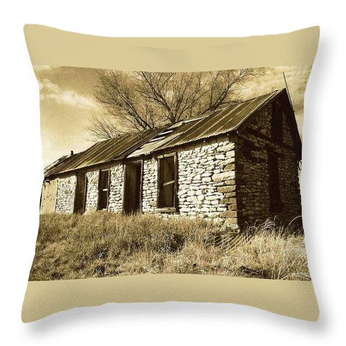 New Mexico Throw Pillow featuring the photograph Yeso New Mexico 1 by Nelson Strong
