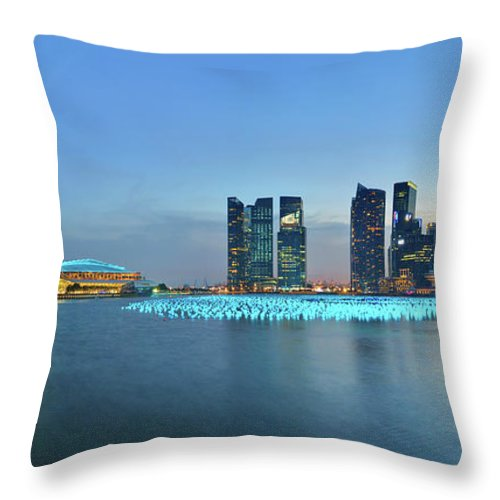 Tranquility Throw Pillow featuring the photograph Singapore Marina Bay by Fiftymm99