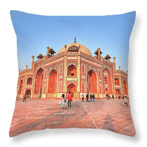 Arch Throw Pillow featuring the photograph Humayuns Tomb, New Delhi by Mukul Banerjee Photography