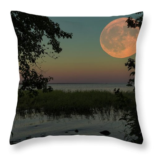 Moon Throw Pillow featuring the photograph Bad Moon Rising by Everet Regal