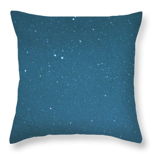 Comet Throw Pillow featuring the photograph Comet Iras-araki-alcock And Star by Digital Vision.