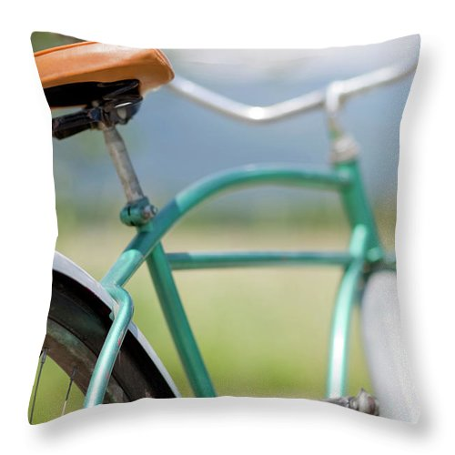 Tranquility Throw Pillow featuring the photograph Cruiser Bicycle by Rocksunderwater