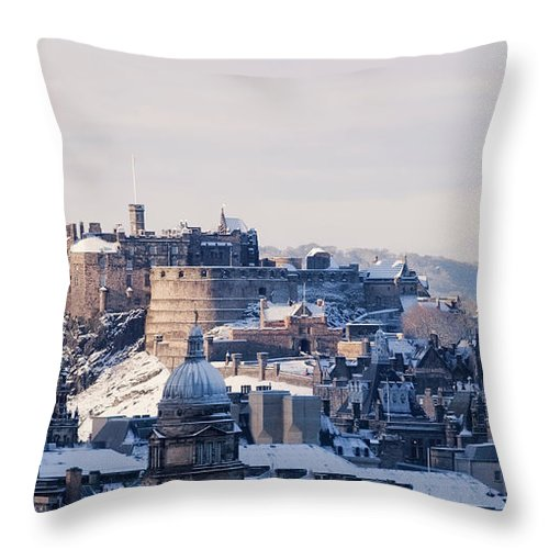 Snow Throw Pillow featuring the photograph Edinburgh Castle by Davidhills