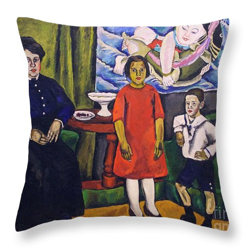 1911 Throw Pillow featuring the photograph Family Portrait by Peter Barritt