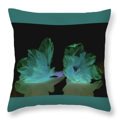 Flower Throw Pillow featuring the photograph Flowers in my dreams by Paulina Roybal